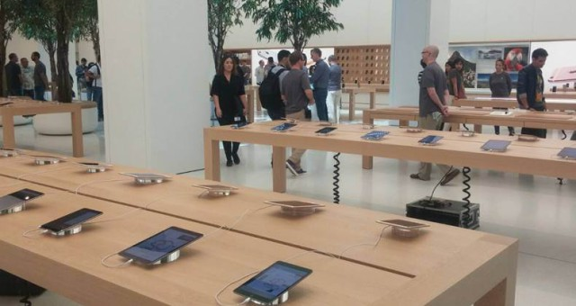 Takhle vypadá největší Apple Store na světě
