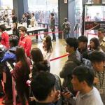 iPhone 6s a 6s Plus se začal prodávat vdomácím trhu Samsungu v dlouhých frontách, a to po předchozím vyprodání zásob online předprodeje