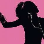 Mít tu samou hudbu na dvou zařízeních? V Británii je to nově ilegální