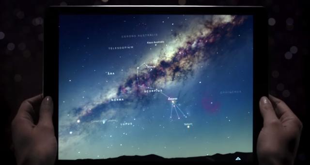 Apple zveřejnil vesmírnou reklamu na iPad Pro