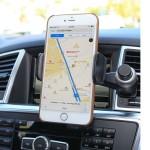 Držák pro iPhone do auta, který lze připevnit na ventilaci