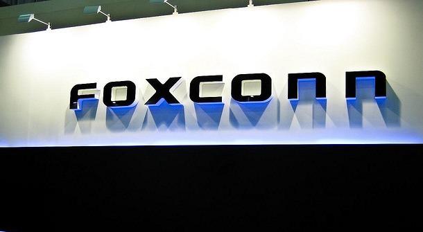 Foxconn prý otálí s podepsáním smlouvy o nákupu Sharpu