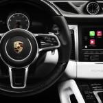 """""""iPhone patří do kapsy, nikoliv na silnici,"""" tvrdí Porsche"""