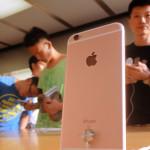 """Tento rok se prodá """"pouze"""" 200 milionů iPhonů"""