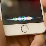Apple souhlasil s mimosoudním vyrovnáním kvůli patentu o Siri