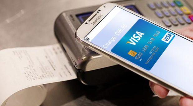 Platební služba SamsungPay dorazí i na iPhony