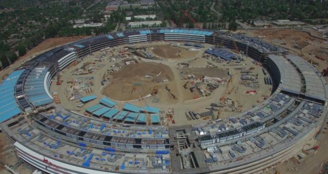 Video z dronu ukazuje pokračování stavby Apple Campus 2