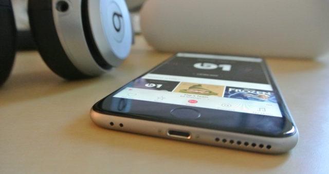Apple podporuje jeden port průměrně 15 let. 3,5mm jack konektor výrazně přesluhuje