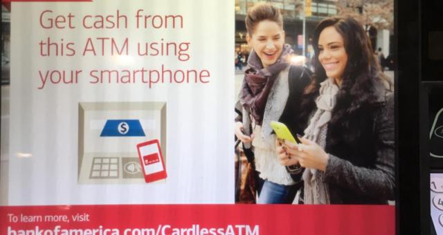 Revoluční novinka. Pomocí Apple Pay nyní můžete vybírat peníze z bankomatů