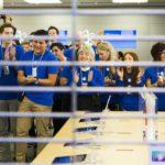 Prodeje iPhonů v USA a Evropě opět stoupají