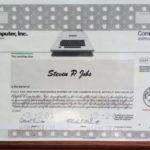Certifikát na vůbec první odměnu Steva Jobse je na prodej. Za necelých pět milionů korun