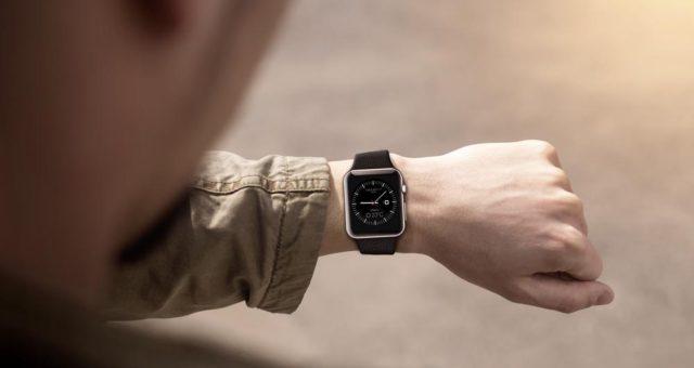 Apple chce lépe měřit spánek s Apple Watch, vyvíjí nové aplikace