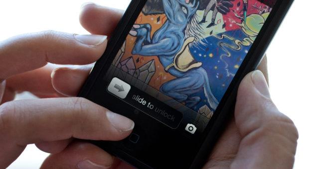 Rodiče mrtvého syna žádají, aby byl odemčen jeho iPhone
