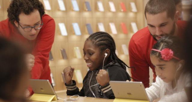 Apple spustí předplatné pro všechny své produkty, myslí si analytici