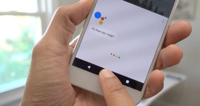 Google oznámil vlastního asistenta pro iPhone