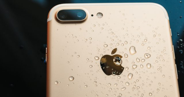 Jak zachránit iPhone při pádu do vody včetně dat?