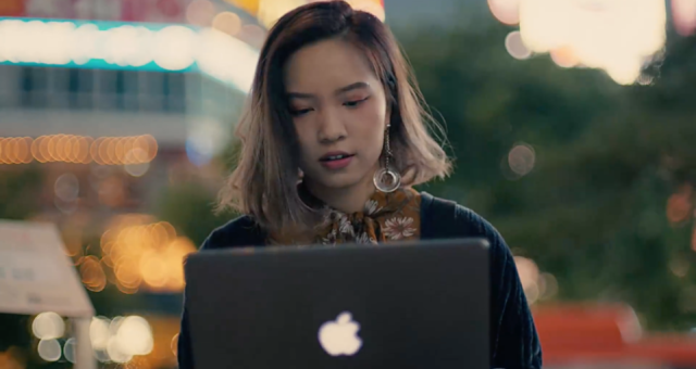 "Apple zveřejnil nové ""Behind the Mac"" reklamy"