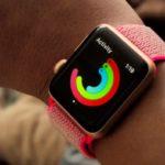 Nové Apple Watch reklamy vyzývají uživatele k méně sezení a více pohybu