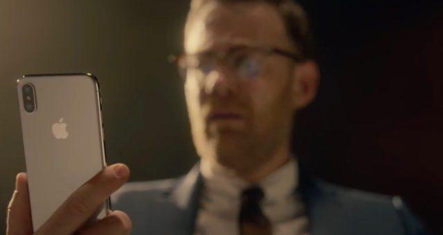 Apple ukazuje iPhone X a Face ID v nové reklamě