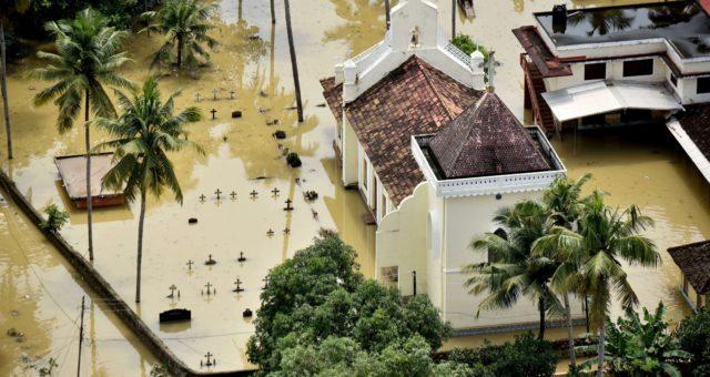 Apple daroval $1M na úsilí na zmírnění škod po záplavách ve městě Kerala, zároveň umožnil uživatelům darovat skrze iTunes a Apple.com