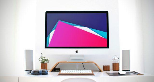 Barevný, geometrický a abstraktní balíček tapet pro iPhone a desktop