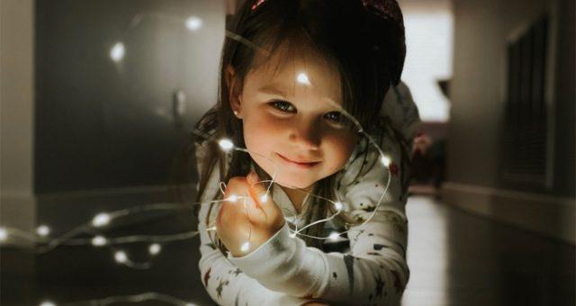 """Apple v kampani """"Shot on iPhone"""" vyzdvihnul vánoční fotografie pořízené na iPhone XR a XS"""