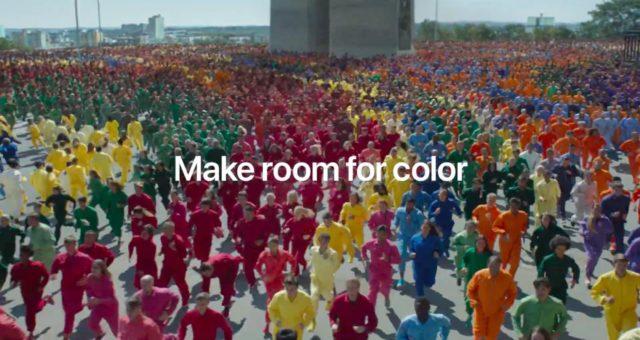 Apple zvýraznil Liquid Retina displej ve své nové reklamě točené v Praze