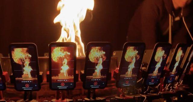 Podívejte se na nové video natočené na 32 iPhonů XR