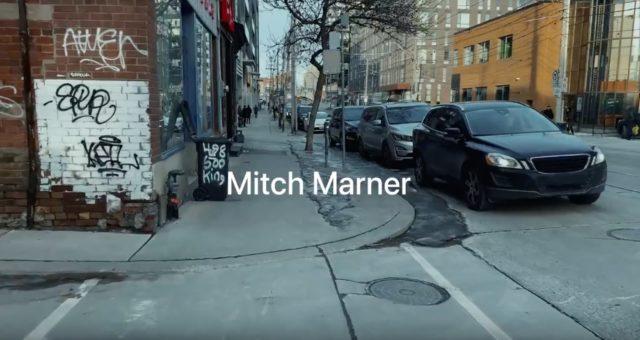 Apple sdílel nové Shot on iPhone video  s hráčem Maple Leafs, Mitchem Marnerem