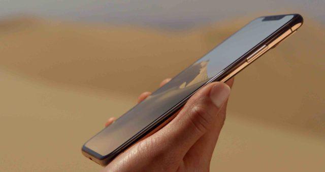 Nadcházející modely iPhonů můžou mít menší výřez a širší 5G anténní pásma