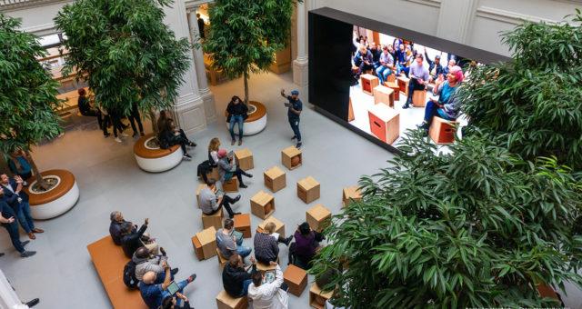 Renovovaný Apple Store v Amsterdamu získal nejnovější design
