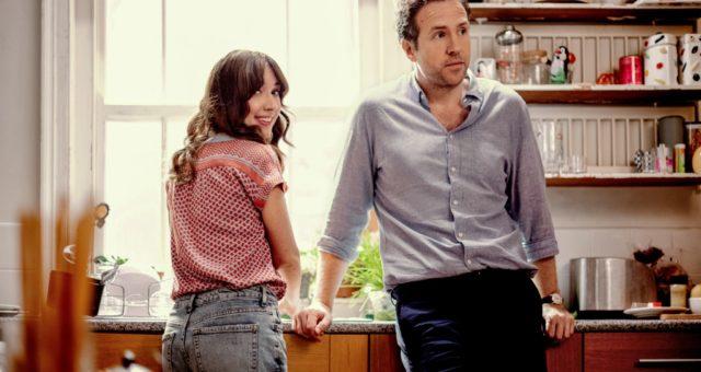 """Podívejte se na trailer k britské komedii """"Trying"""", na Apple TV+ již 1. května"""