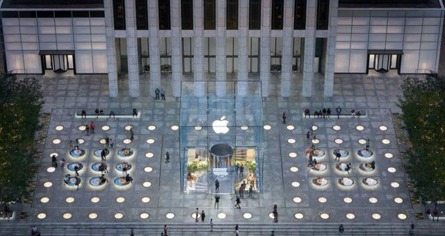 Americké prodejny Apple zůstanou uzavřeny nejméně do začátku května