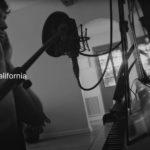 Apple video: James Blake sestřihává svou nejnovější skladbu doma pomocí Logic Pro X na svém MacBooku