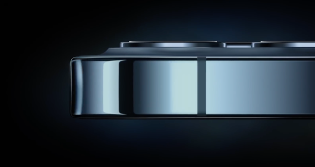 """Apple propaguje v nové reklamě iPhone 12 jako """"nejsilnější iPhone všech dob"""""""