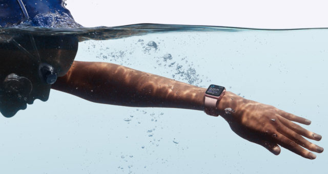 Apple Watch údajně získá funkci pro sledování plavání