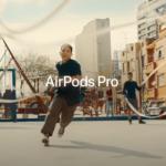 """Podívejte se na novou AirPods Pro reklamu s názvem """"Jump"""""""