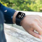 Apple Watch Series 7 mají změnit design a být k dispozici i v zelené barvě