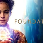 """Apple TV+ oznámila prodloužení svého sci-fi seriálu """"Foundation"""" o další sérii"""